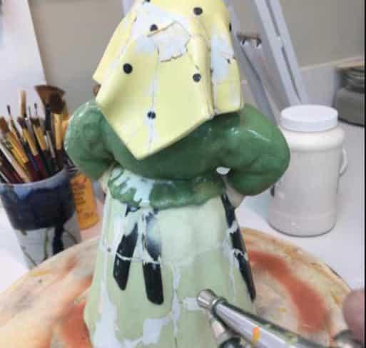 Repairing ceramic figurine